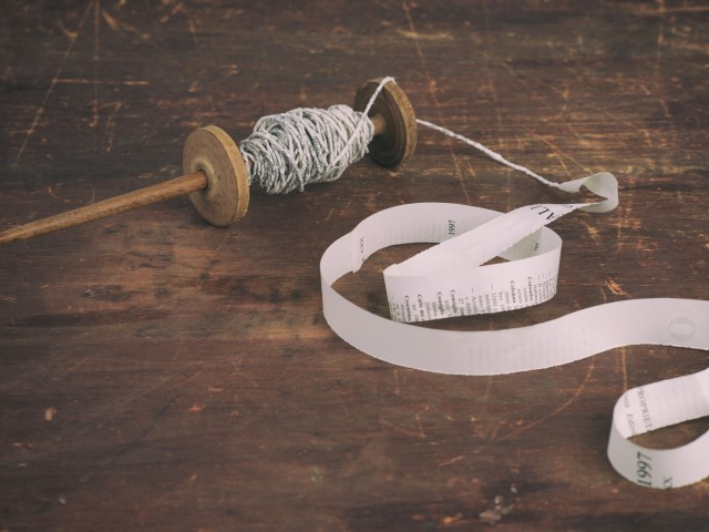 Cartalana:   Filare la carta e creare eco-bijoux